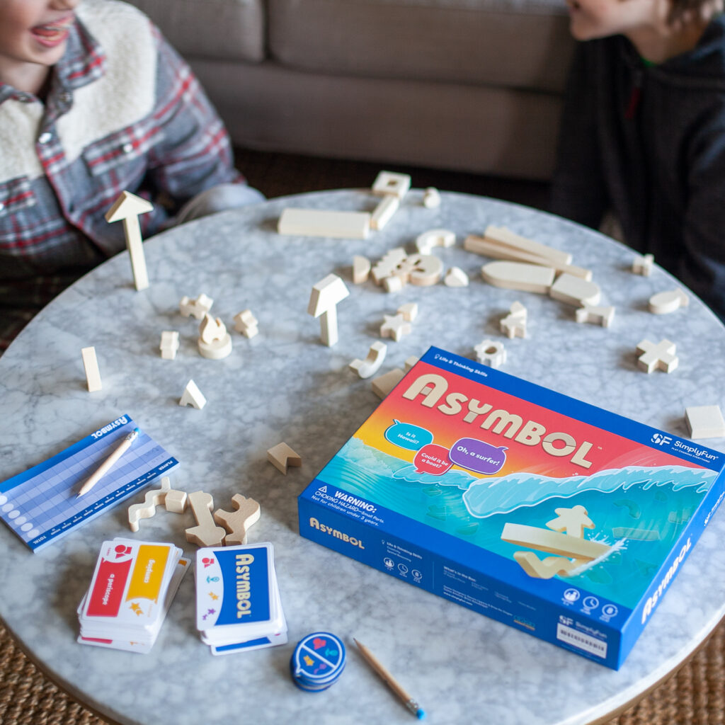 Kids playing Asymbol